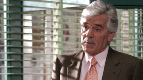 Dennis Farina em Law & Order